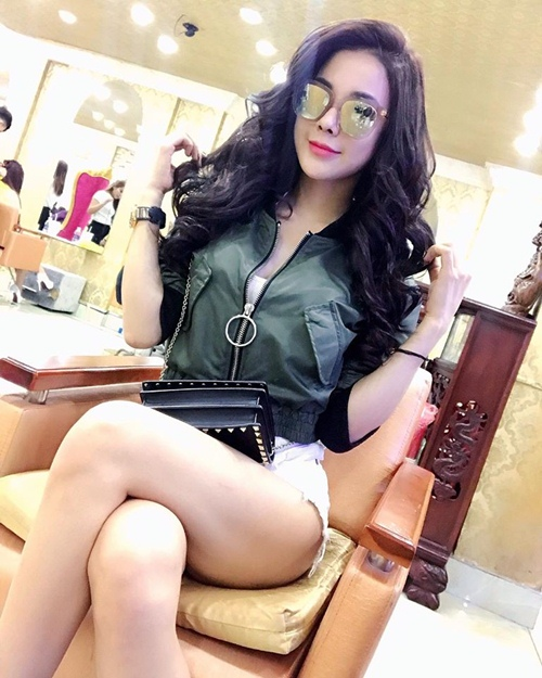 nong ruc voi my nu co dang ngoi sexy nhat showbiz viet hinh anh 13