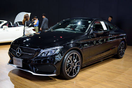 "mercedes-amg c43 coupe: ""quy nho"" toc do gia 3,4 ty dong hinh anh 1"