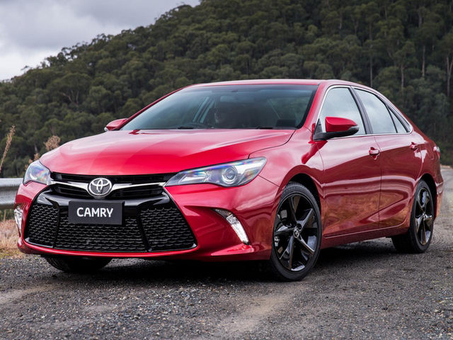 toyota camry them ban the thao esport gia 1,06 ty dong hinh anh 1