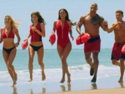 "Khan gia bong mat vi biniki va The Rock trong ""Baywatch"""