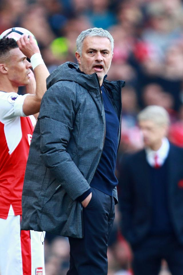 "can canh wenger va mourinho ""khau chien"" tai emirates hinh anh 4"