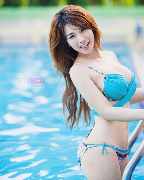 hot girl ban do an vat doi doi nho than hinh nong bong hinh anh 7