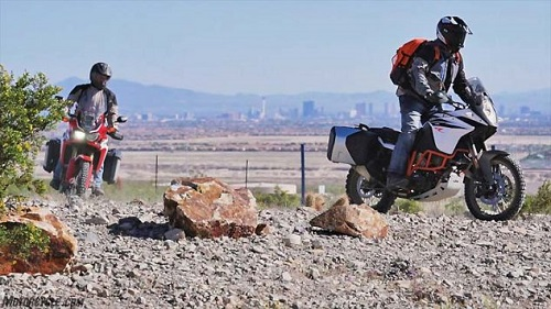 lua chon ktm 1090 adventure r hay honda crf1000l africa twin? hinh anh 5