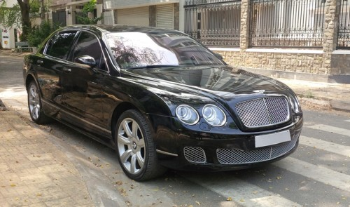 bentley continental flying spur sau 11 nam rot gia tham hinh anh 1