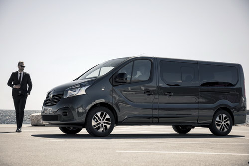renault trafic spaceclass: doi thu mercedes v-class hinh anh 2