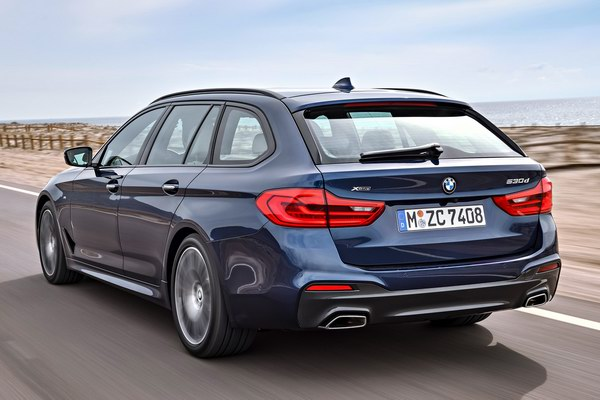 bmw 5-series touring 2017 co gia tu 2,2 ty dong hinh anh 3
