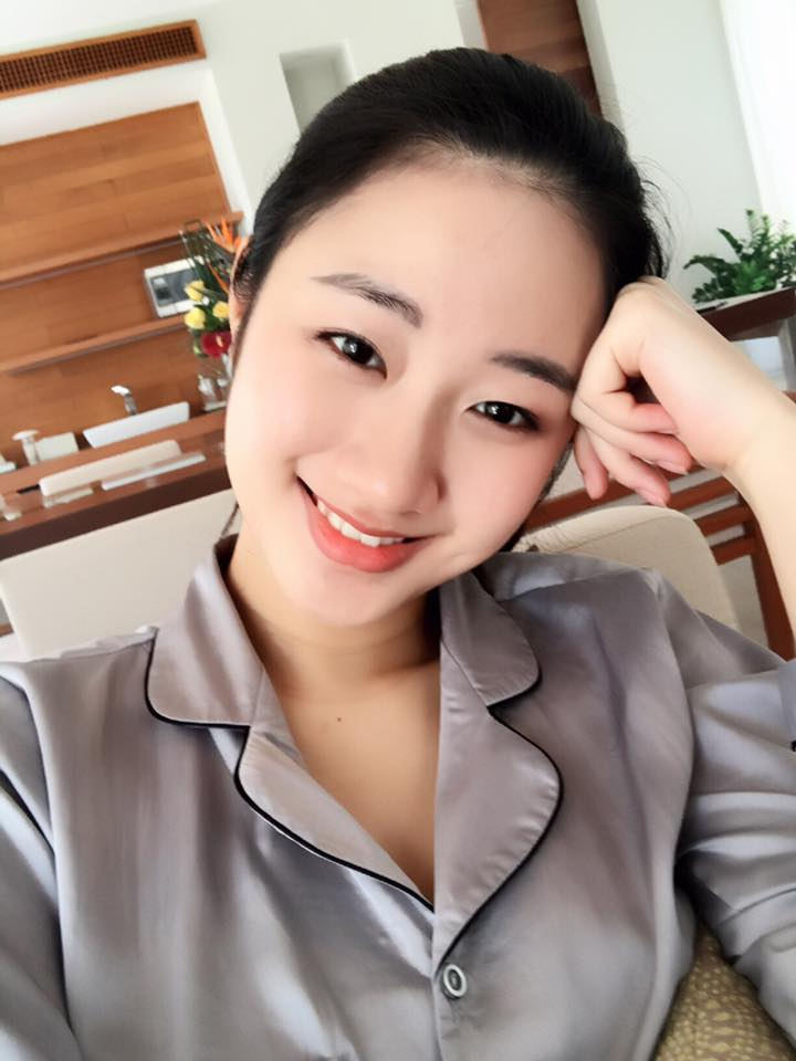 2 kieu nu 9x co bo, chong ty phu: nguoi di xe 70 ty, ke co xe 20 ty hinh anh 2