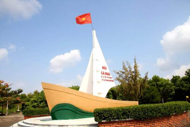 ve ca mau nhat dinh phai cham tay vao cot moc cuc nam cua to quoc hinh anh 1