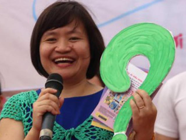 """Video - anh - TSGD Nguyen Thuy Anh: dung noi voi con cau """"co cai gi ma so"""""""