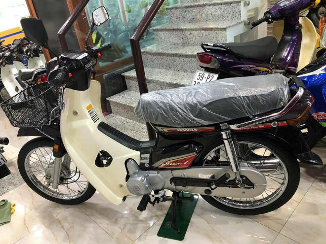 "can canh honda dream ii thai lan ""thet"" gia 1,2 ty dong hinh anh 1"