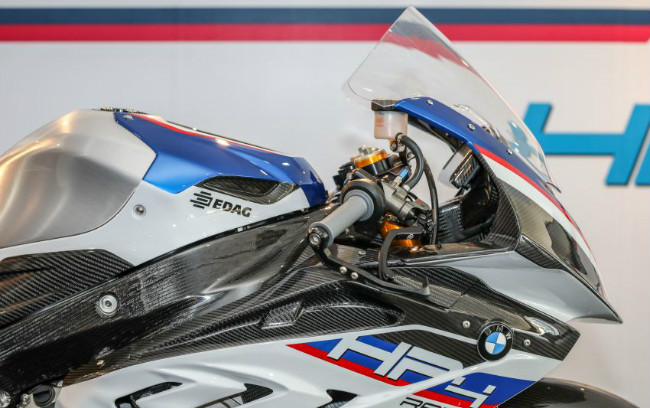 ngam tuyet pham 2018 bmw motorrad hp4 race gia 2,8 ty dong hinh anh 9