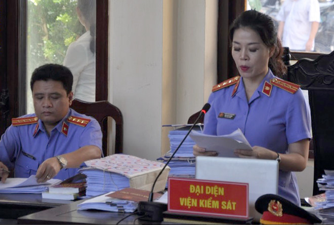 nhieu nguoi vo tay khi nghe vks de nghi muc an voi hoang cong luong hinh anh 1