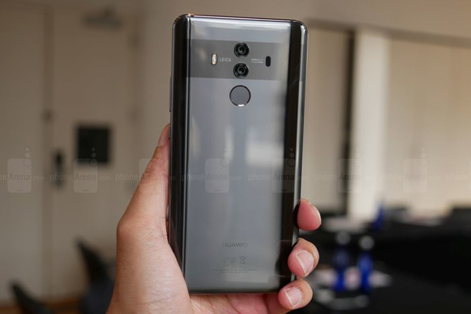 lo huawei mate 20 pro man hinh oled 6,9 inch, dau note 9 va iphone x plus hinh anh 1