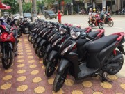 o to - Xe may - Yamaha Exciter giam nhe, Honda Vision doi gia van dat khach