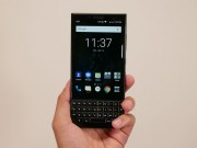 Video dap hop BlackBerry Key 2 nong hoi