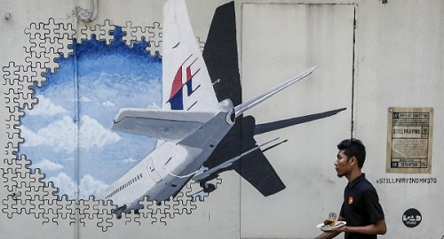 soc: mh370 co the da ha canh roi lai cat canh? hinh anh 1