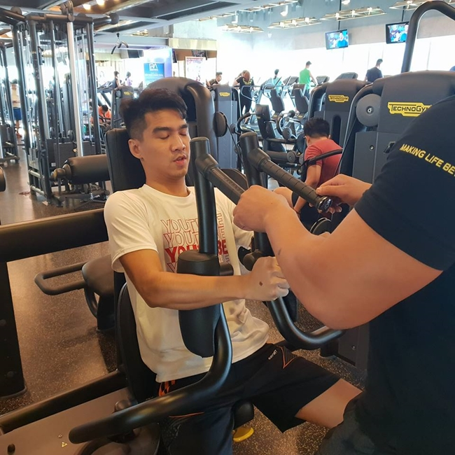 hot streamer tung duoc tram anh dong y hen ho giau co nao? hinh anh 18