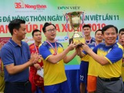 Media - doi bong bao NTNN gianh cup vang sau loat sut penalty can nao