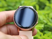 Samsung Galaxy Watch Active: Thiet ke gon, khong bi can tay