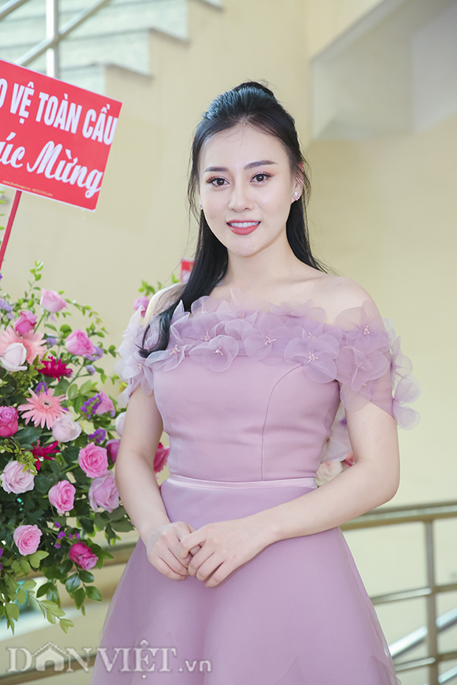 """anh: """"quynh bup be"""" xuat hien rang ro ben chi """"nguyet thao mai"""" hinh anh 5"""