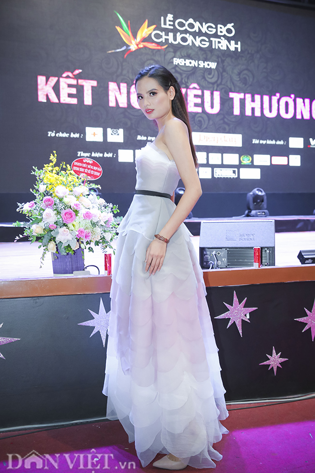 """anh: """"quynh bup be"""" xuat hien rang ro ben chi """"nguyet thao mai"""" hinh anh 7"""