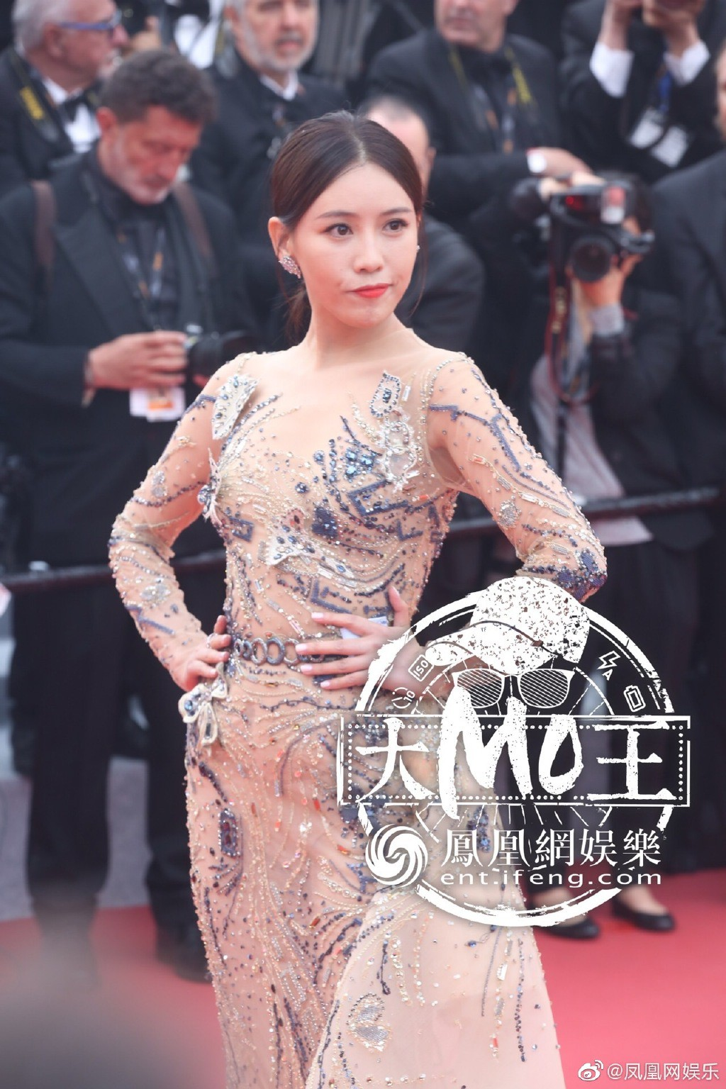 "loat my nhan sieu vong 1 lam ""nao loan"" tham do cannes 2019 hinh anh 16"