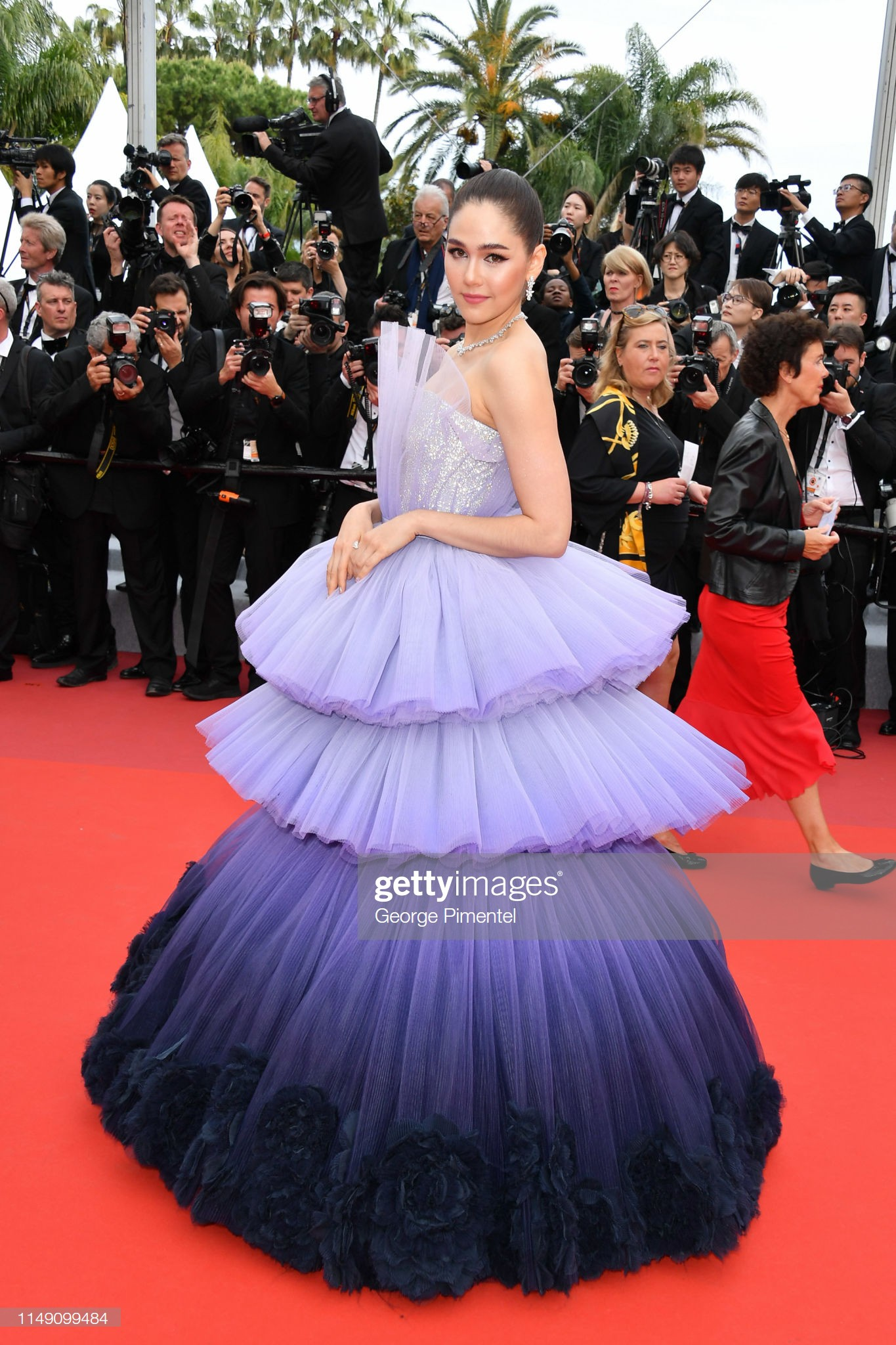 "loat my nhan sieu vong 1 lam ""nao loan"" tham do cannes 2019 hinh anh 22"