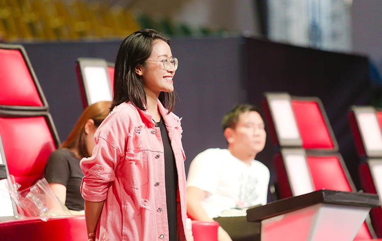he lo thiep cuoi cua mc goi cam the voice voi dong nghiep vtv hinh anh 5