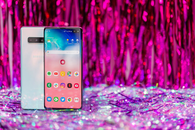 galaxy s10+ moi la smartphone duoc yeu thich nhat hinh anh 2
