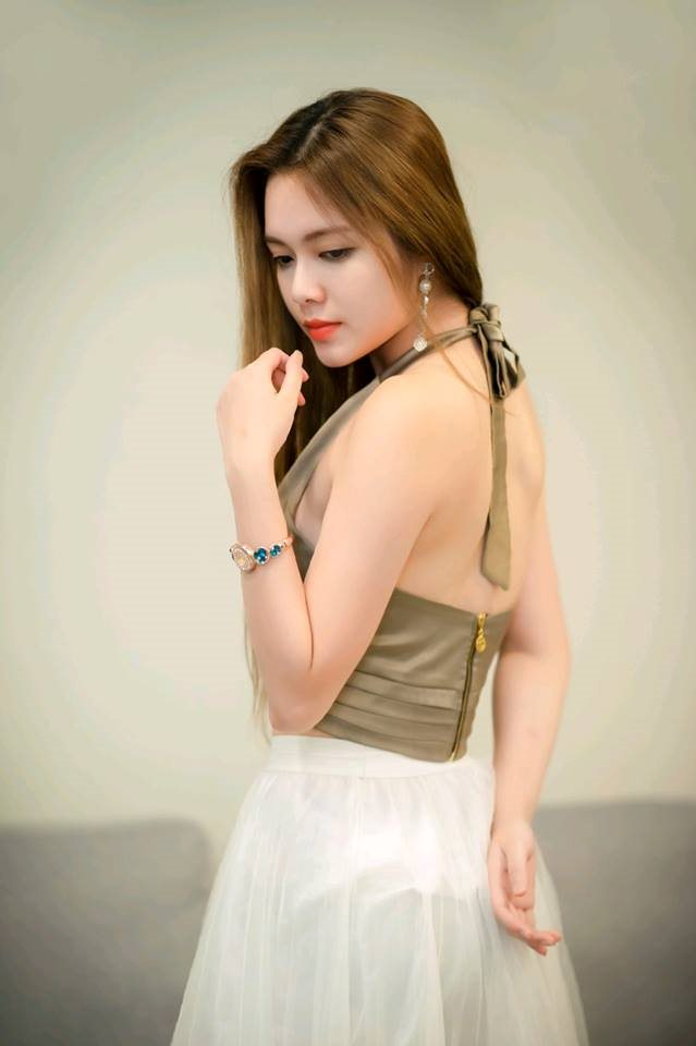 hot girl o khach san cung nam dien vien co nha 35 ty he lo canh nong gay 'nghen song' vtv hinh anh 3