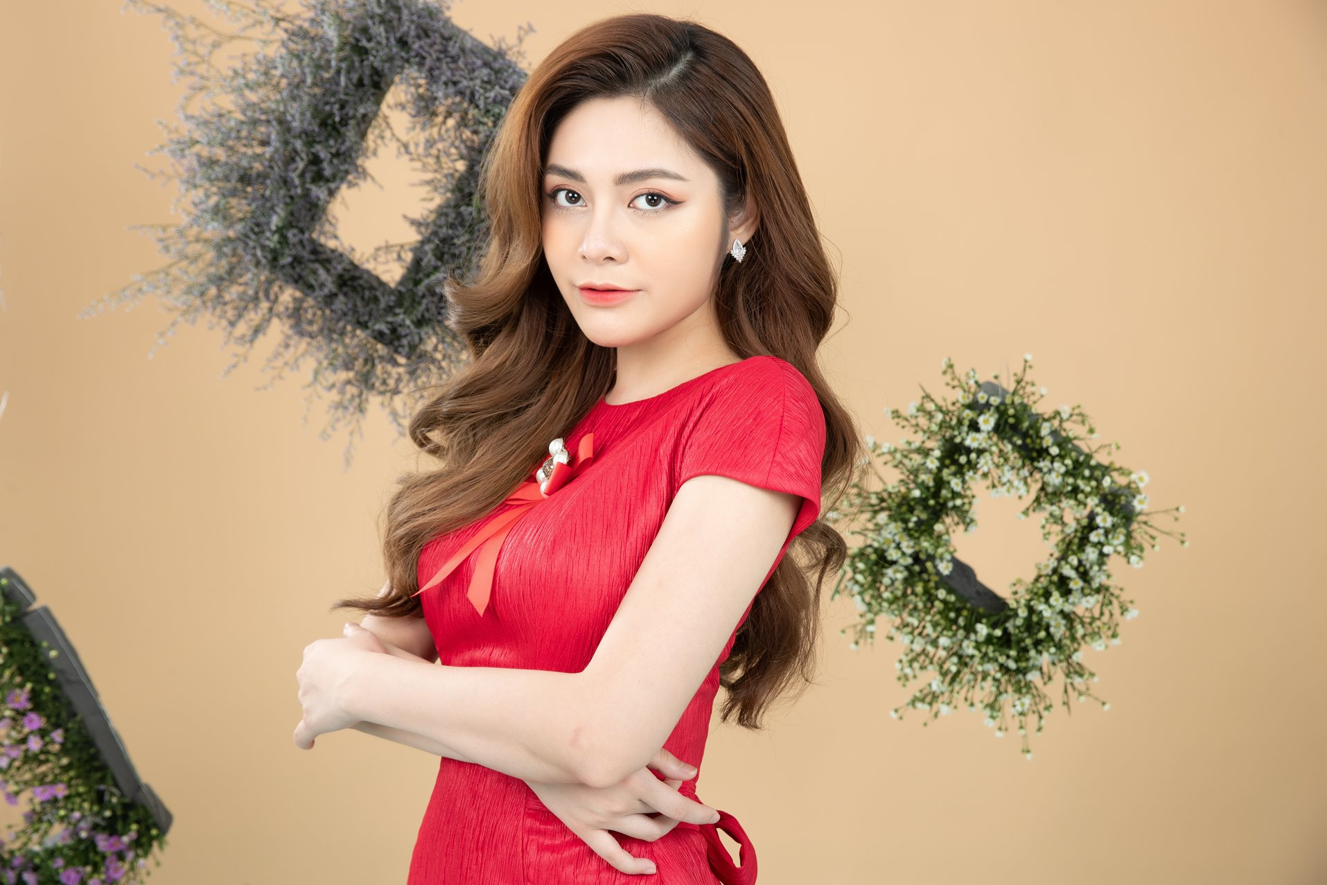 """hot girl nong cung world cup co canh hon gay """"nghen song"""" vtv khoe vong eo 53cm hinh anh 5"""
