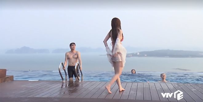 """hot girl nong cung world cup co canh hon gay """"nghen song"""" vtv khoe vong eo 53cm hinh anh 4"""