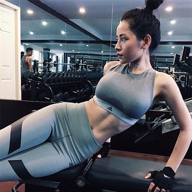 """le roi va loat sao viet nghien gym """"gay sot"""" voi hinh anh khoe co bap hinh anh 15"""