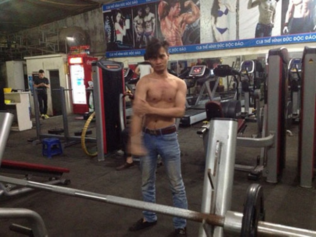 """le roi va loat sao viet nghien gym """"gay sot"""" voi hinh anh khoe co bap hinh anh 4"""