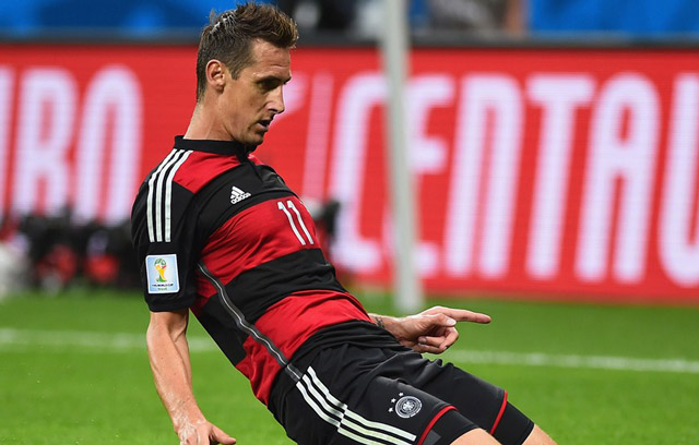 """""""xe luoi"""" brazil, klose tro thanh chan sut vi dai nhat world cup hinh anh 1"""
