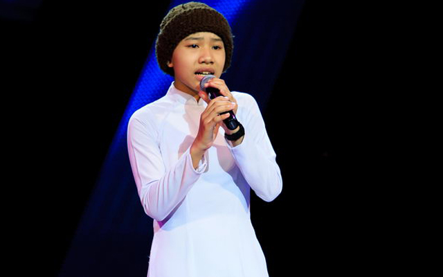 the voice kids: rot nuoc mat nghe co be mo coi hat nhac trinh hinh anh 1