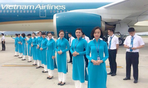 can canh 3 mau ao dai moi cua tiep vien vietnam airlines hinh anh 6