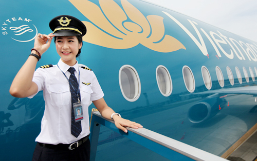can canh 3 mau ao dai moi cua tiep vien vietnam airlines hinh anh 8