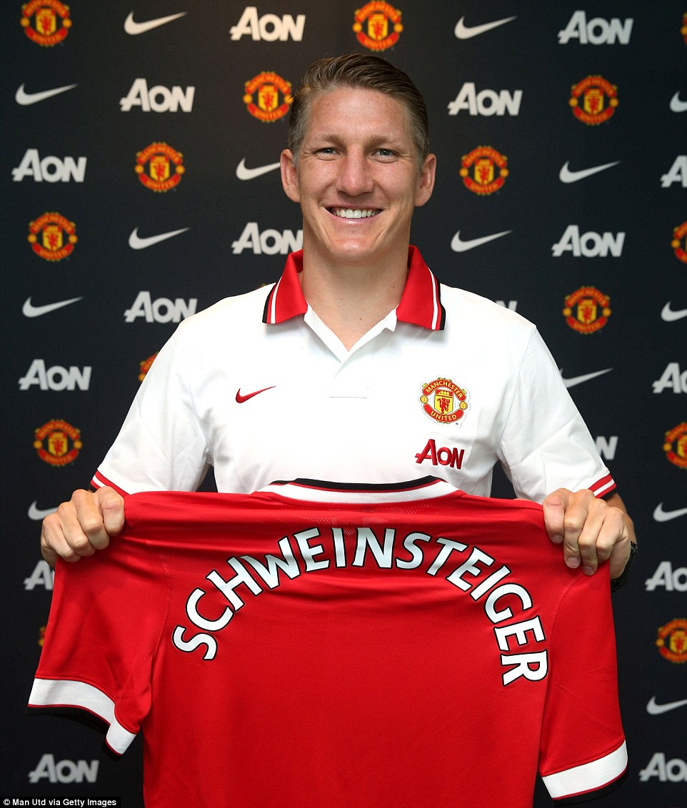 he lo muc luong cao ngat nguong cua schweinsteiger hinh anh 1