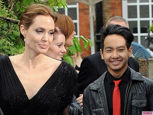 angelina jolie lam phim ve que huong cua con trai nuoi hinh anh 3