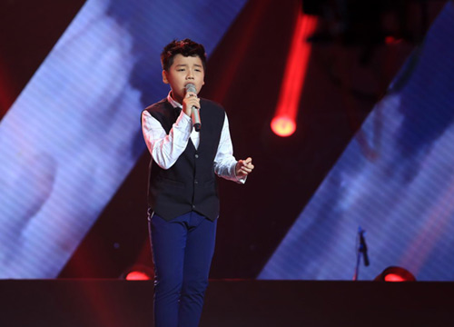 cau be 13 tuoi hat hit son tung gay sot the voice kids hinh anh 11