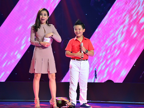 cau be 13 tuoi hat hit son tung gay sot the voice kids hinh anh 6