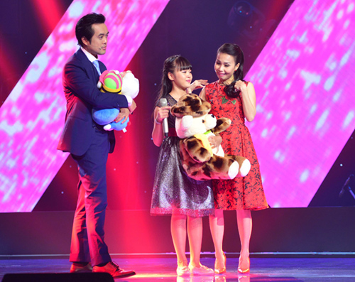 cau be 13 tuoi hat hit son tung gay sot the voice kids hinh anh 7
