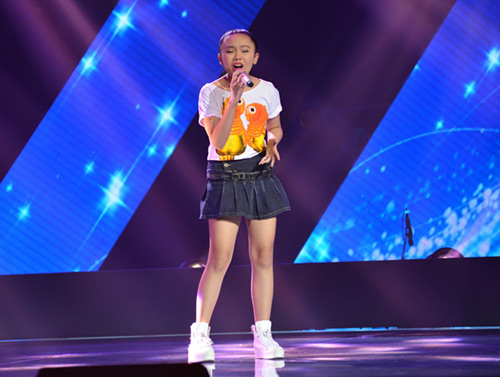 cau be 13 tuoi hat hit son tung gay sot the voice kids hinh anh 3