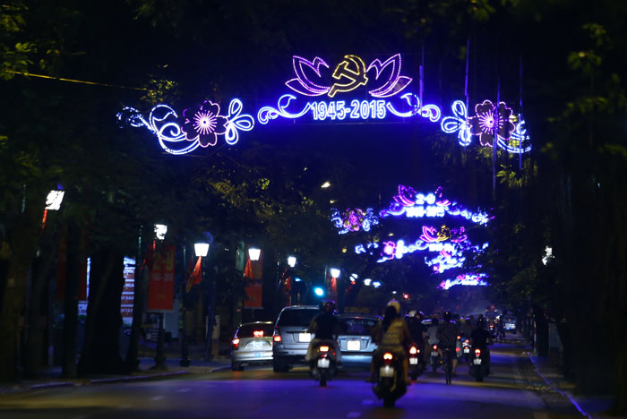 duong pho ha noi lung linh chao don quoc khanh 2/9 hinh anh 10