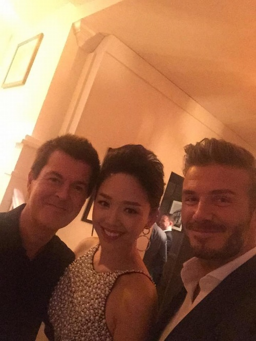 toc tien mac long lay di gap david beckham hinh anh 6