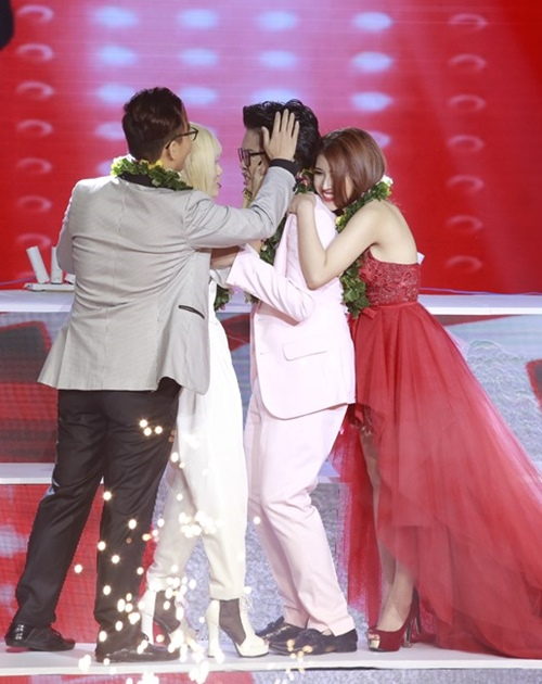 khoanh khac dep trong dem cuoi the voice hinh anh 6