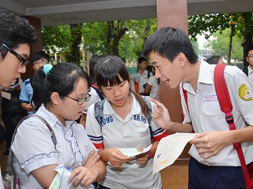nam 2015, cac co so giao duc chi duoc thu 3 thang tien bhyt hinh anh 1