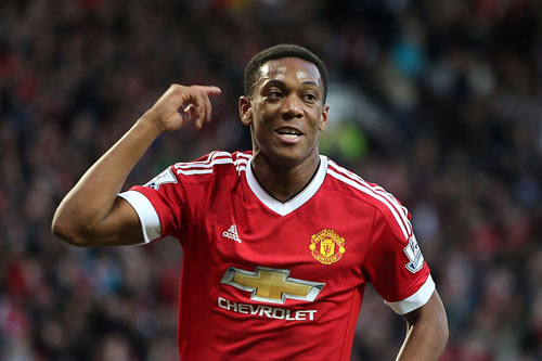 "diem tin sang (22.9): sir alex ""tung ho"" martial, chelsea am muu ""hut mau"" real hinh anh 1"