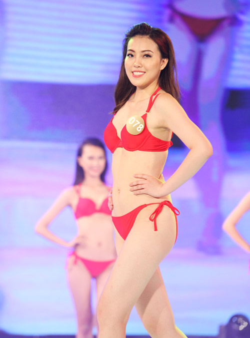 """nam lun"" goi cam va co gai cao 1m81 o hh ban sac viet hinh anh 6"